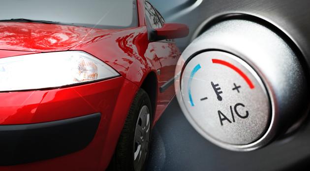 Čistenie klimatizácie ozónom alebo servis a plnenie klimatizácie s ozónovou dezinfekciou interiéru vozidla