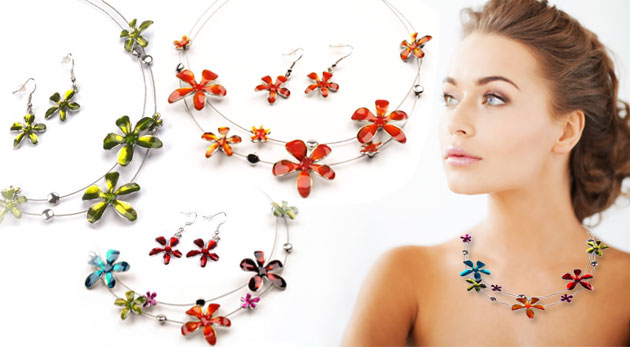 Hravá sada šperkov - náhrdelník a náušnice s letným motívom kvetu