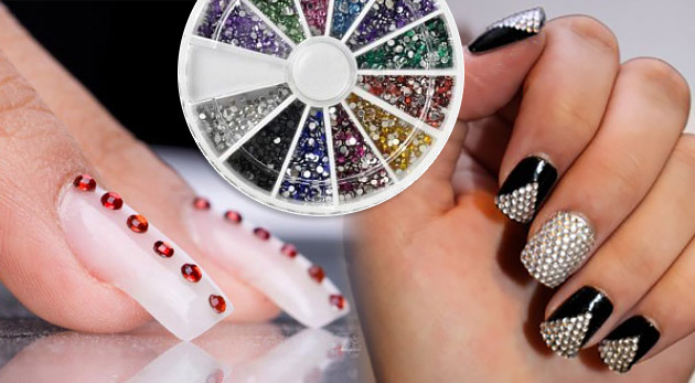 Farebné lesklé zdobiace kamienky na nechty v kruhovej krabičke. Akcia 3+1 zadarmo!