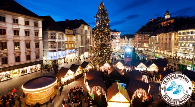 Vianočný nádych rakúskeho mesta Graz a sprievod čertov