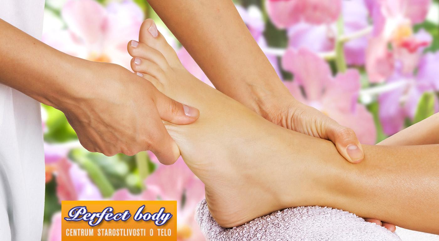Relax pre vaše nohy vďaka polhodinovej reflexnej masáži chodidiel v salóne Perfect Body