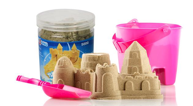 Tekutý piesok, ktorý nikdy nevysychá - skvelá hračka pre vaše deti na rozvíjanie motoriky i fantázie