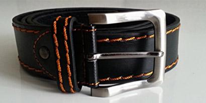 Pánsky kožený opasok s oceľovou prackou - model C