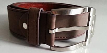 Pánsky kožený opasok s oceľovou prackou - model E