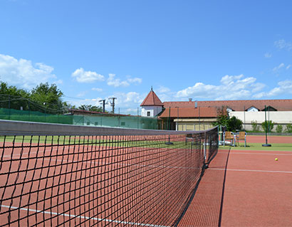 Prenájom tenisového kurtu na 1 alebo 5 hodín  c70a79fe1d8