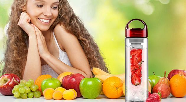 Unikátna fľaša na vodu pre nápoj z ovocia, zeleniny či byliniek