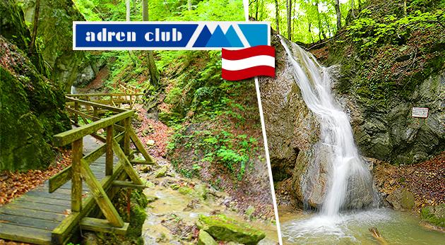 Dobrodružná jednodňová túra do štyroch rakúskych tiesňav a k vodopádu