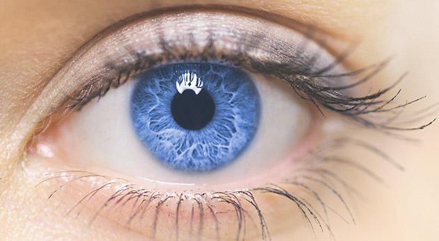 Špeciálne ošetrenie očného okolia lekárskou kozmetikou s botoxovým efektom