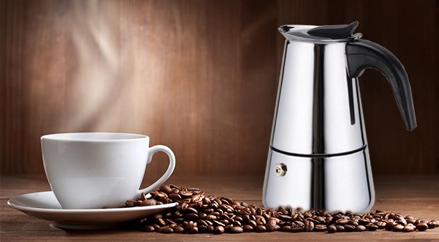 Elegantný taliansky kávovar z nehrdzavejúcej ocele