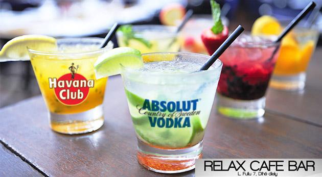 Miešané alkoholické drinky v Relax Café Bare v Bratislave