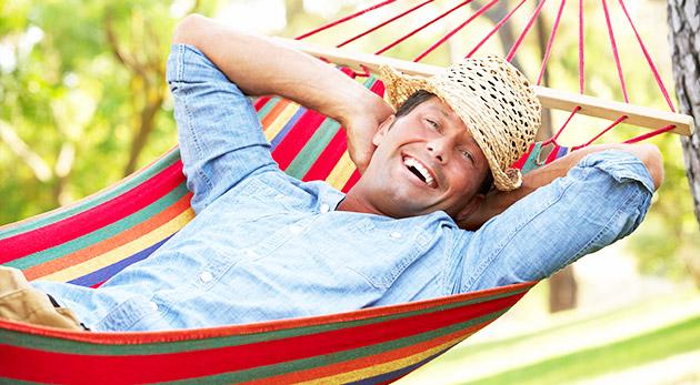 Pestrofarebná kvalitná hojdacia sieť na letný relax v záhrade