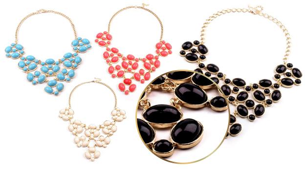 Neprehliadnuteľný náhrdelník s kamienkami v 4 farbách