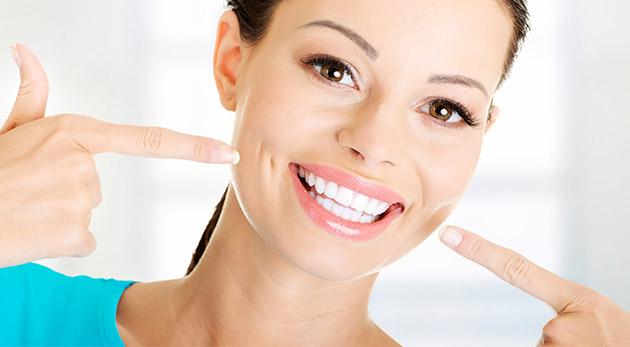 Bielenie zubov bez peroxidu v Centre Vitality a Zdravia