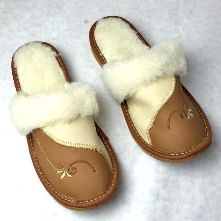 Dámske papuče s ovčou vlnou - vzor 2 - veľkosť 36