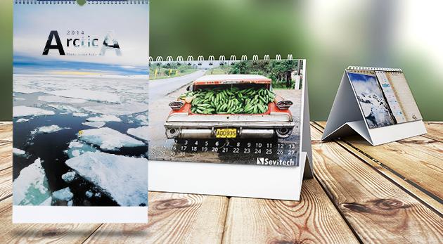 Stolový alebo nástenný kalendár s vašimi vlastnými fotografiami