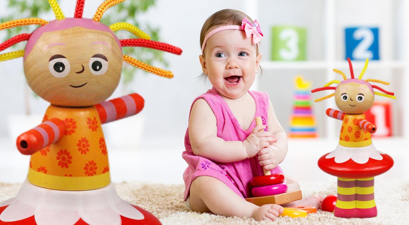 Krásna drevená bábika pre deti od 18-tich mesiacov