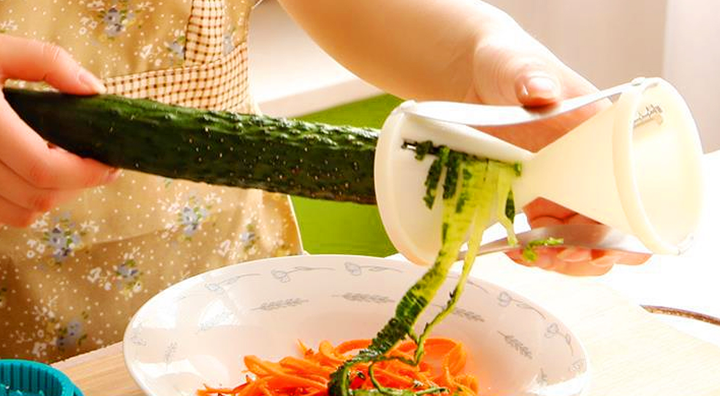 Praktický špirálový krájač na zeleninové špagety pre chody ako od profesionálov