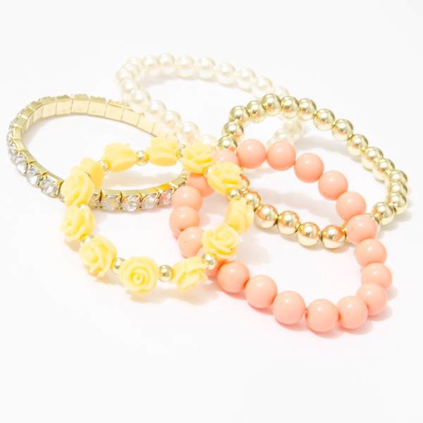 Perlový náramok s ružičkami - marhuľová farba