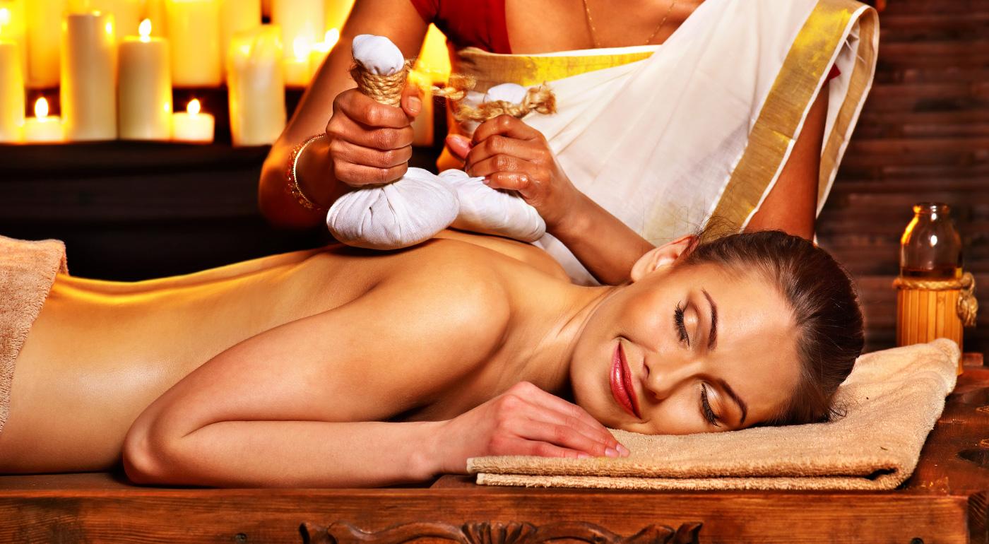 Masáž chrbta a nôh, Abhyanga - ajurvédska celotelová olejová masáž alebo Abhyanga a indická masáž hlavy a tváre Champi