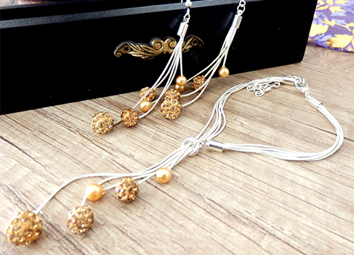Set šperkov - visiace náušnice, náramok a náhrdelník, farba zlatá