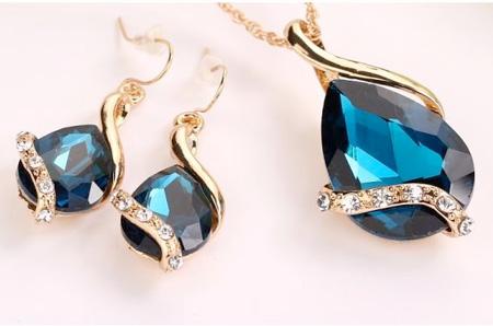 2-dielny set šperkov Tia (prívesok, retiazka, náušnice) - farba: modrá
