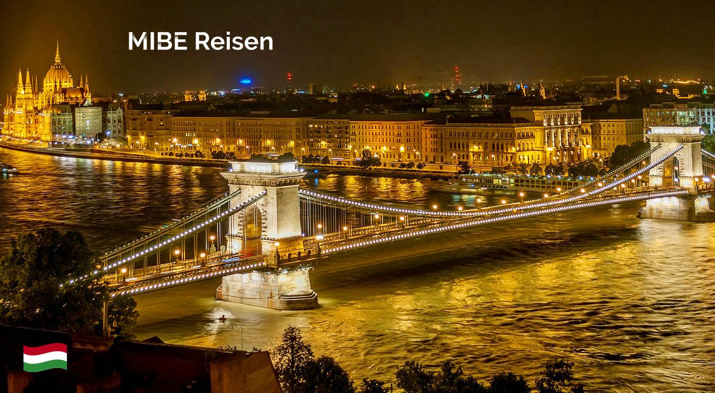 Fotka zľavy: Poznávací zájazd do metropoly Maďarska s návštevou zámku Gödöllő len za 19,90 €. Vychutnajte si potulky jarnou Budapešťou so sprievodcom, ktorý vám ukáže všetko zaujímavé!