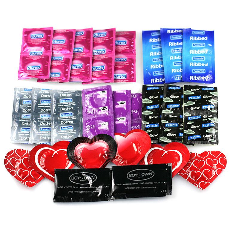 Balíček rozkoše DUREX/PASANTE/EXS: 10 ks kondómov Durex Pleasure Max, 6 ks kondómov Pasante Dotted, 6 ks kondómov Pasante Glow (svietiaci v tme), 6 ks kondómov Pasante Hearts, 6 ks kondómov Pasante Ribbed, 6 ks kondómov Exs Ribbed, 2 ks lubrikačný gél