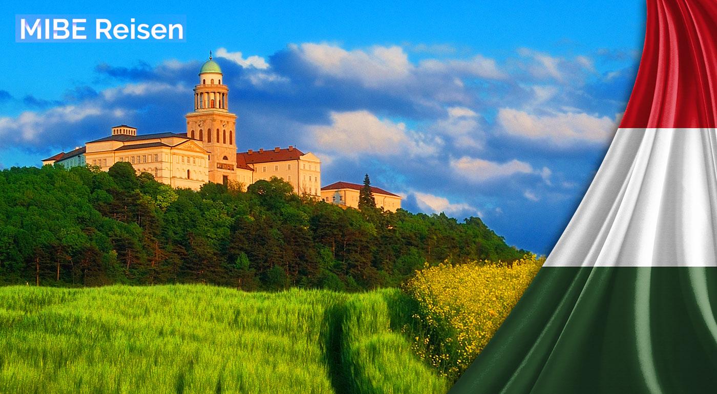 Fotka zľavy: Nezabudnuteľný jednodňový zájazd do kláštora Pannonhalma, mesta Györ a kúpeľov Rába Quelle len za 17,50 €. Príjemná májová sobota so sprievodcom, ktorý vám ukáže všetko zaujímavé!