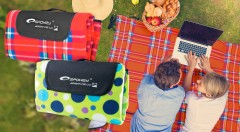 Zľava 33%: Urobte si na cestách pohodu alebo si spravte piknik v prírode. Poslúžia vám piknikové deky už od 9,20 €! Sú vodeodolné, fleecové a môžete si vybrať z 2 rozmerov a rôznych farebných prevedení.