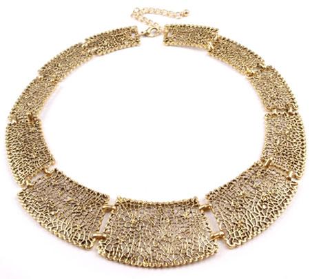 Masívny kovový náhrdelník - zlatý