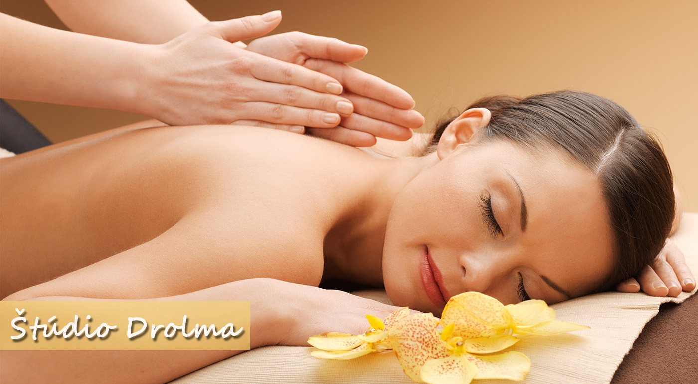 Úľava od bolesti v podobe klasickej masáže chrbta so zameraním na krčnú chrbticu alebo v kombinácii s masážou chodidiel v štúdiu Drolma
