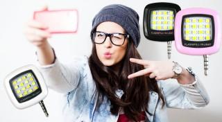 Zľava 70%: Perfektné nočné fotky vykúzlite jedine s dobrým osvetlením. Vďaka LED osvetleniu na mobil len za 5,90 € sa budete môcť pochváliť tými najkrajšími selfie! Svetlo s 3 intenzitami svetla v 3 farbách!