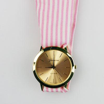 Dámske hodinky s látkovou šatkou - ružové