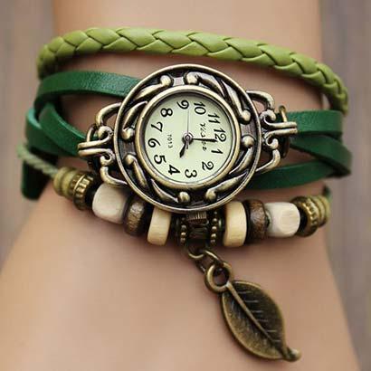 Retro hodinky s listom, farba zelená