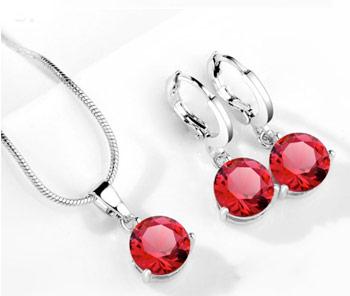 Elegantný 2-dielny set šperkov s brúsenými kryštálikmi - červená