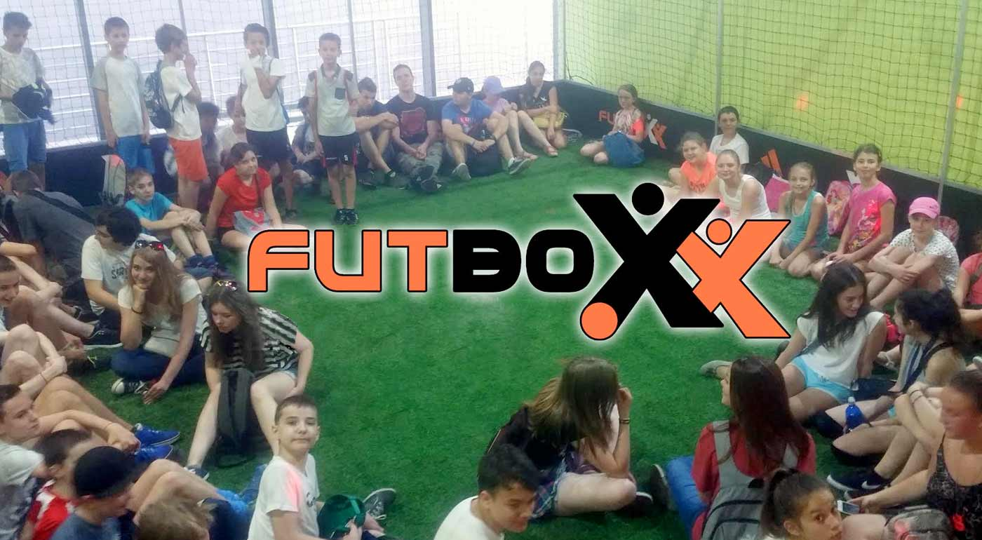 Detský denný tábor pre malých futbalistov vo FUTBOXe v Polus City Center