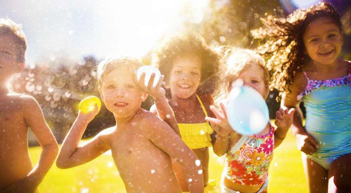 Pravá letná balónová bitka - sada pre rýchle naplnenie vodných balónov.