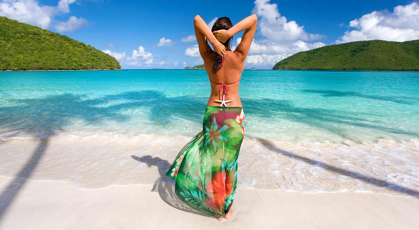 Nádherne farebná letná šatka oživí váš letný či plážový outfit