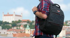 Zľava 50%: Do školy s novým batohom! Siahnite po skvelom batohu s vystuženou chrbtovou časťou s dvomi hlavnými oddeleniami a množstvom malých vreciek a kapsičiek.