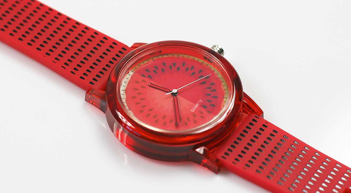 Originálne dámske hodinky vo výrazných farbách  585c861f32f
