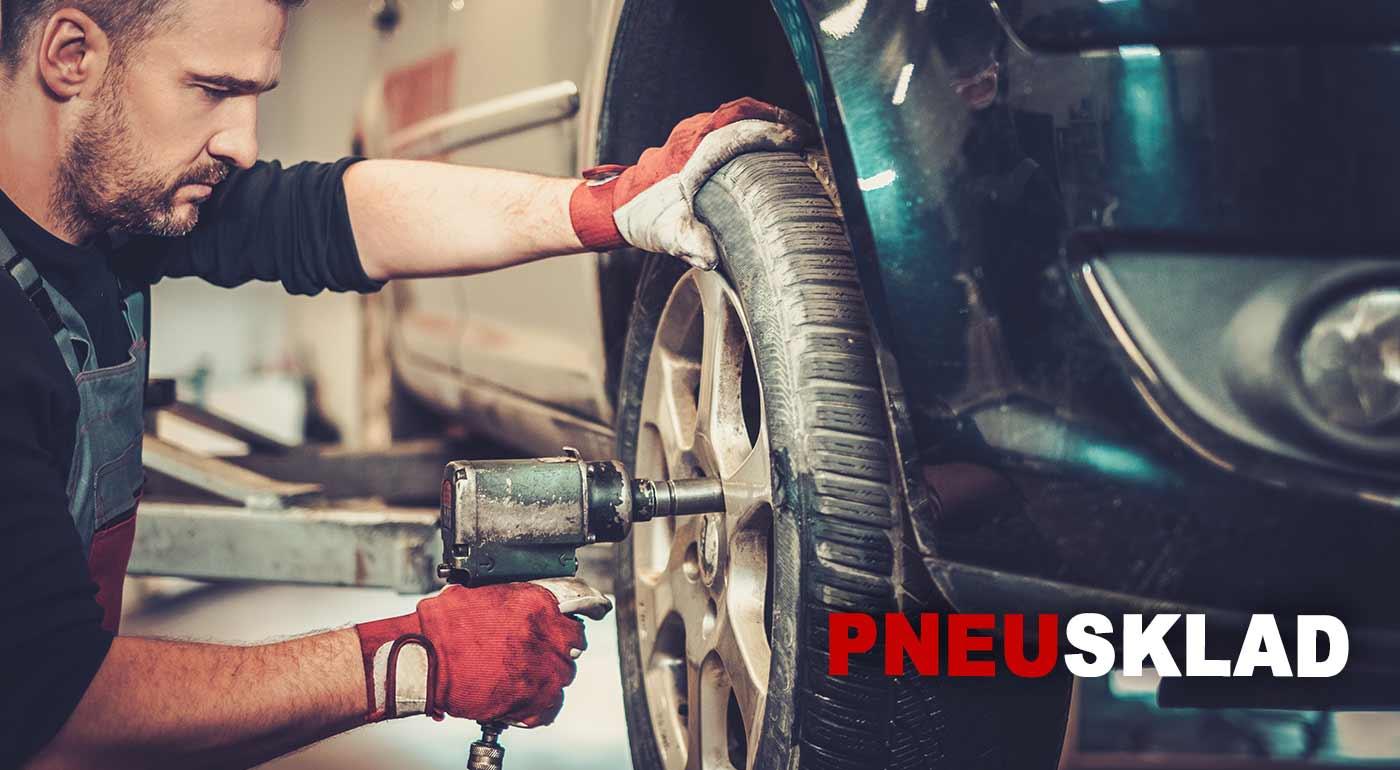 Fotka zľavy: Využite akciu na prezutie pneumatík a kompletné vyváženie oceľových alebo hliníkových diskov. Ak máte málo miesta, v pneuservise Pneusklad pri Kuchajde vám pneumatiky radi uskladnia.