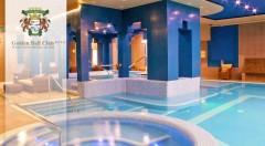 Zľava 46%: Trojdňový oddych pre dvojicu v centre maďarského Győru v luxusnom Golden Ball Club**** Wellness & Spa Hotel. Raňajky, wellness, sauna a fitness v cene.