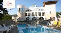Zľava 51%: Dokonalý relax v maďarskom Bástya Wellness Hotel***/**** pri jaskynných kúpeľoch pre dvoch na 3 dni s polpenziou, voľným vstupom do wellness a infra liečbou. Dieťa do 3 rokov zadarmo.