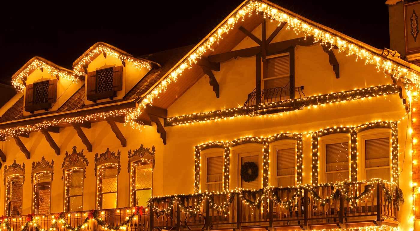 Fotka zľavy: K Vianociam neodmysliteľne patria i svetelné reťaze. Vyberte si zo širokej ponuky také, ktoré umocnia atmosféru najkrajších sviatkov v roku u vás doma!