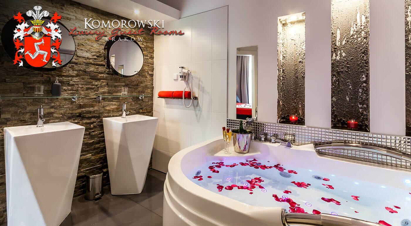 Luxusný pobyt na 2 alebo 3 dni pre dvojicu v exkluzívnom penzióne Komorowski Luxury Guest Rooms v centre Krakowa s raňajkami a romantickým balíčkom