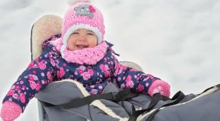 Zľava 27%: Kvalitné kovové sánky s fusakom z ovčieho rúna si vaše deti zamilujú. Zimné prechádzky budú odteraz oveľa pohodlnejšie a zábavnejšie nielen pre vás, ale i pre vaše bábätko.