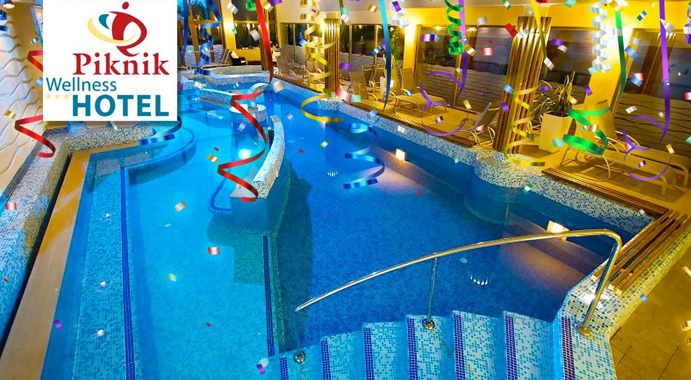 Užite si posledné dni roka na naozaj parádnom pobyte v Piknik Wellness Hoteli*** Siofok pri Balatone. Silvestrovský galavečer v cene a možnosť využiť wellness na ploche 800 metrov štvorcových!