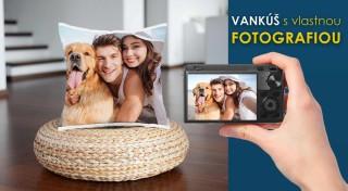 Zľava 56%: Urobte radosť vašim priateľom či rodine dekoračným vankúšom s fotografiou podľa vlastného výberu.