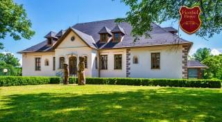 Zľava 41%: Vychutnajte si romantiku vo dvojici v historickom Kaštieli Benice neďaleko Martina. Čaká vás polpenzia, sauna a nádherné výhľady na Malú a Veľkú Fatru.