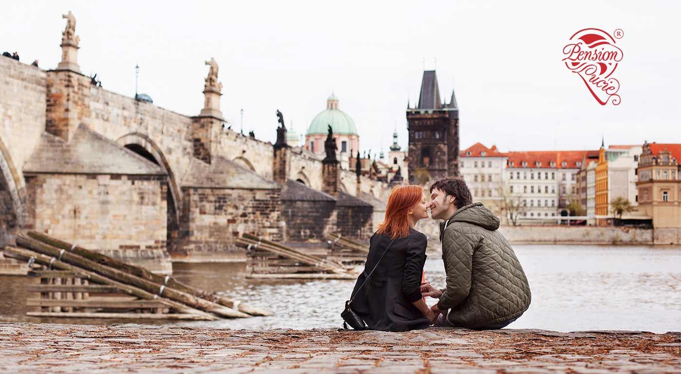 Fotka zľavy: Pozývame vás na romantický pobyt pre dvoch do Pensione Lucie**** v Prahe. Zrelaxujte spolu v súkromnom wellness s fľašou sektu a tešte sa na raňajky, ktoré vám prinesú priamo do postele!